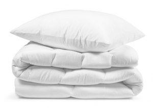 Kołdry i poduszki hotelowe